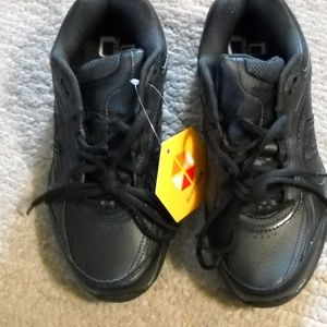 WOMEN'S NEW BALANCE BLACK SNEAKERS SIZE 6.5